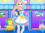 Play Elsa Clean Up Royal Family