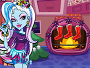 Play Monster High Christmas Party