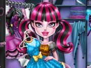 Play Monster High Closet