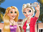 Play Princesses Selfie Time 2