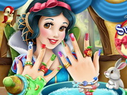 Play Snow White Nails